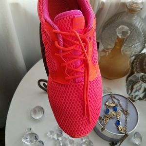 11203d174c94 Nike Shoes - Fire by ~NIKE~ -Roshe Hyperfuse